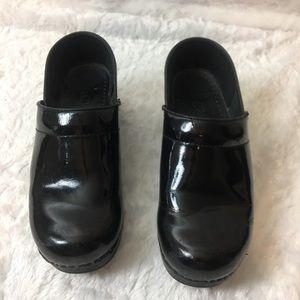 Dansko Black Patent Leather clog size 38 US 8